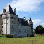 les hirondelles au Château de Cherveux 2016
